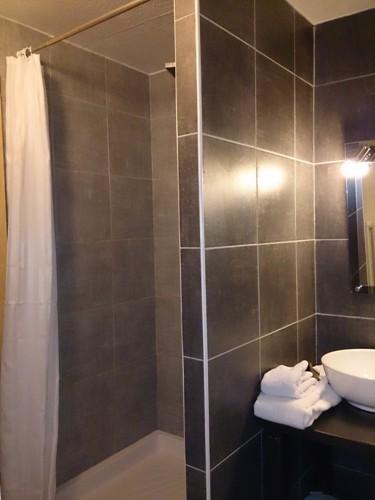 Salle de douche Hôtel LA CHAUMIERE Le Fayet
